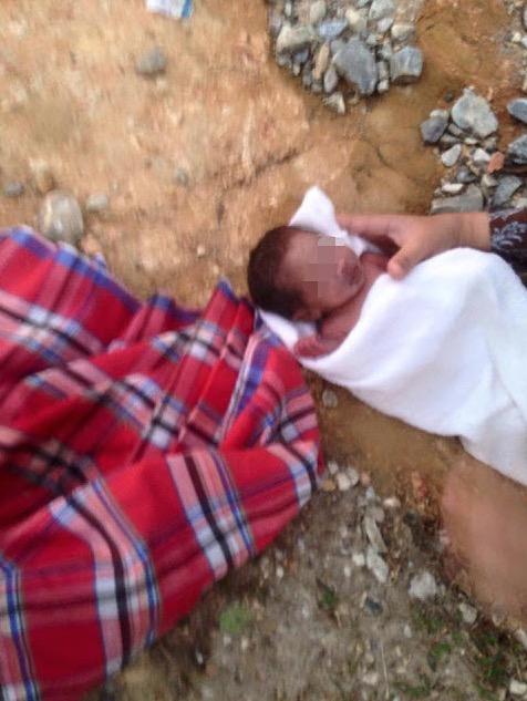 Bayi Bertali Pusat Ditemui Kesejukan dan Digigit Semut di Belakang Masjid