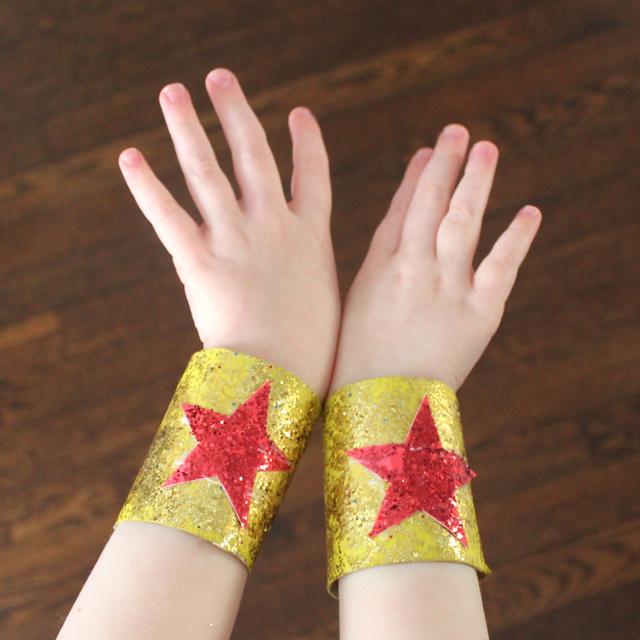 Rachael Rabbit Paper Roll Craft Super Hero Bracelets