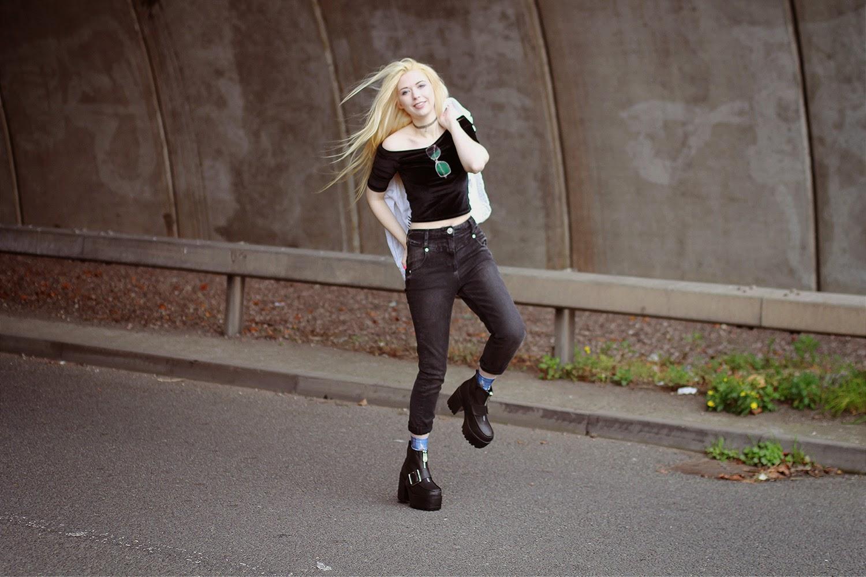 Kayla Hadlington, River Island, Starwars Socks, Mom Jeans, Velvet Crop Top, Platform Boots, Public Desire