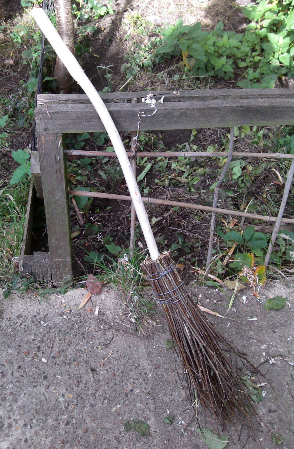 The Shed And Beyond: How to make a Besom Broom