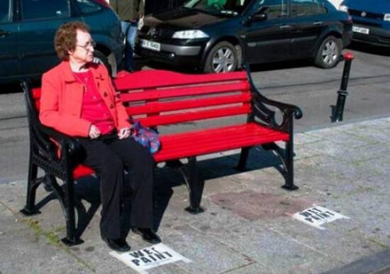 20 Pictures Of People Who Were Truly Unlucky - Aunty forgot to read the sign. Luckily her clothes' color is quite similar!