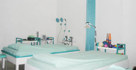 Baby Hydro + Baby Massage + Ear Cleaning + Nail Cut (75 menit)