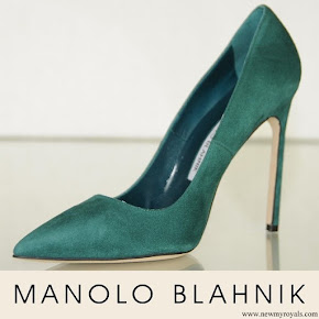 Queen Rania wore Manolo Blahnik BB 105 Suede Teal Green Shoes Heels Pumps