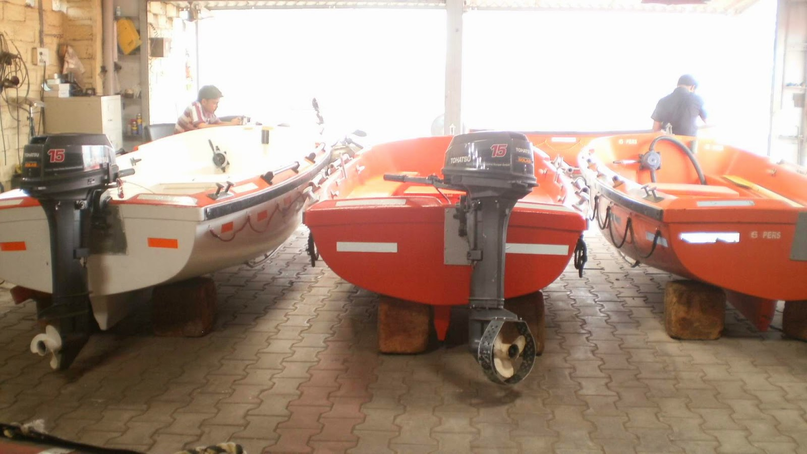 used outboard engine and boats for sale, used fiber boats for fishing, river boats, small boats for sale