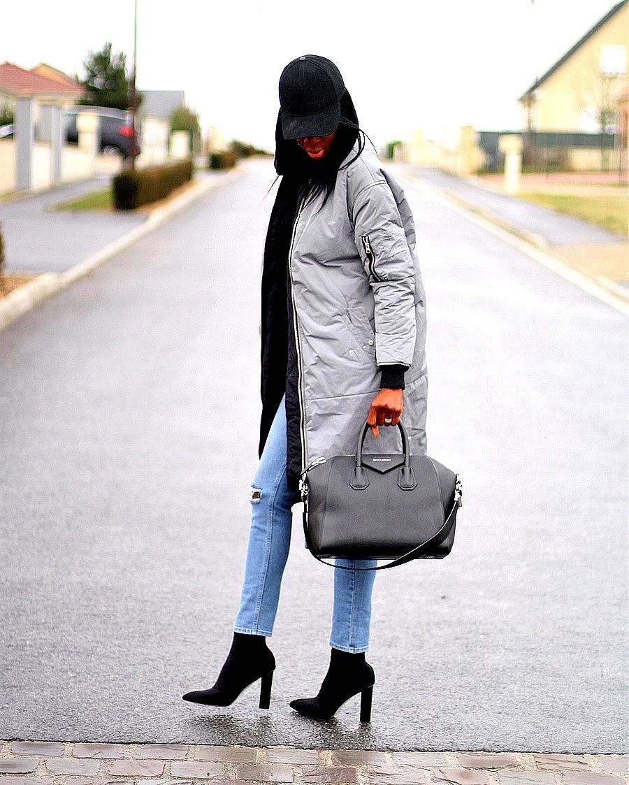 mom-jeans-long-bomber-asos-givenchy-antigona-sock-boots-public-desire