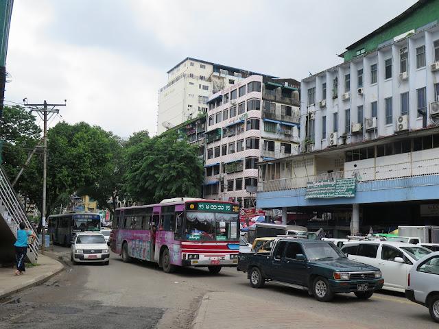 Autobús urbano en Yangon