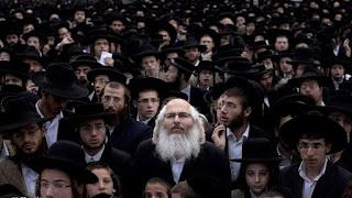 فضيحة : صحيفة إسرائيلية توقع بحاخامات وتكشف تفاصيل تورطهم بالمتاجرة بأطفال رضع !