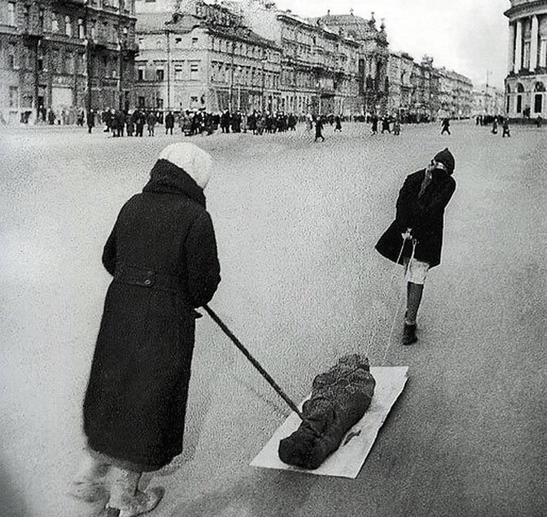 глядя название фото санкт петербурга в период блокады предсказать