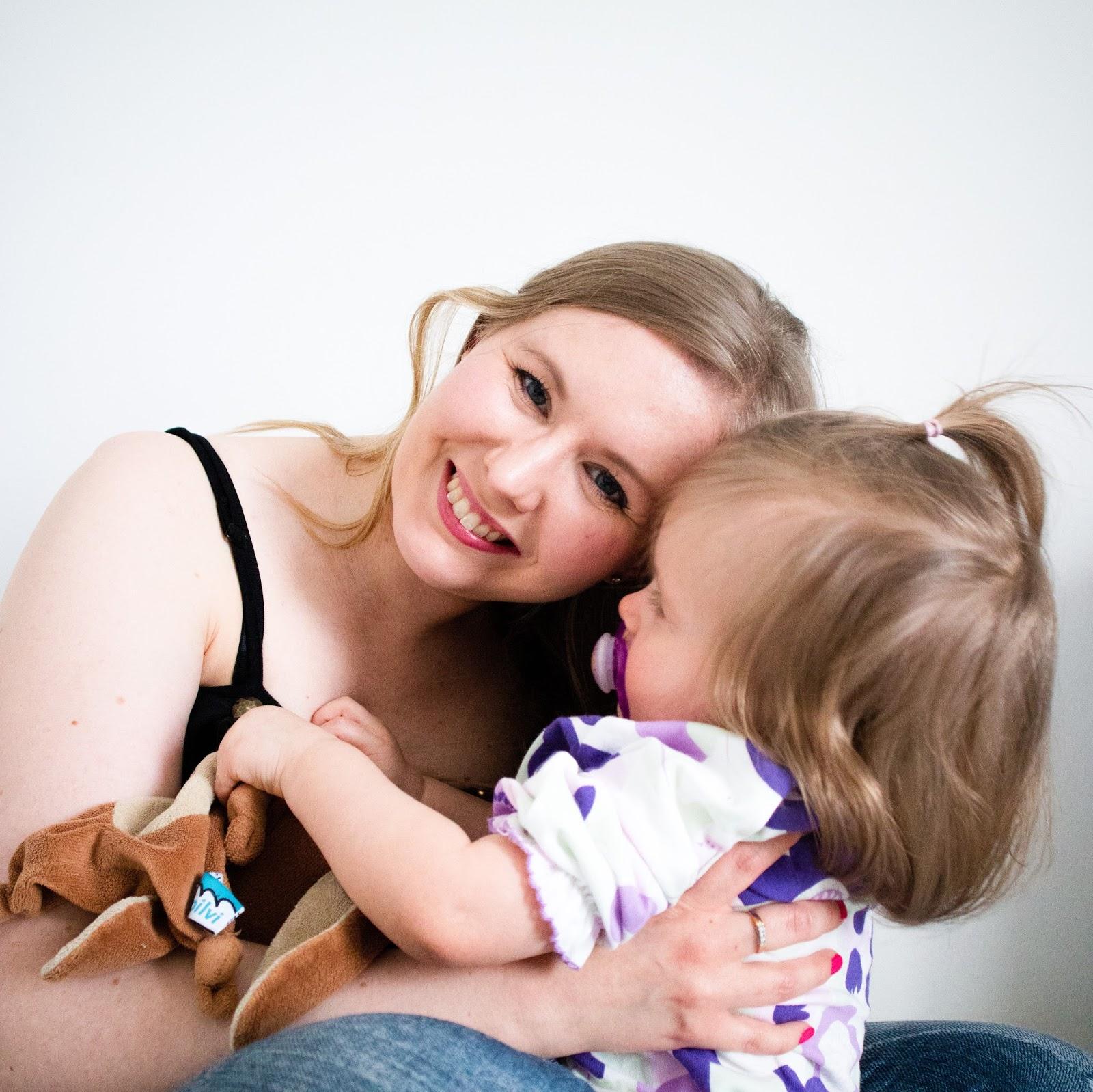 Saippuakuplia olohuoneessa - blogi, kuva Jenni Sanssi, Hanna Poikkilehto, lapsi, taapero, rakas, äitiys, imetys, tunteet, imetykse lopetus,