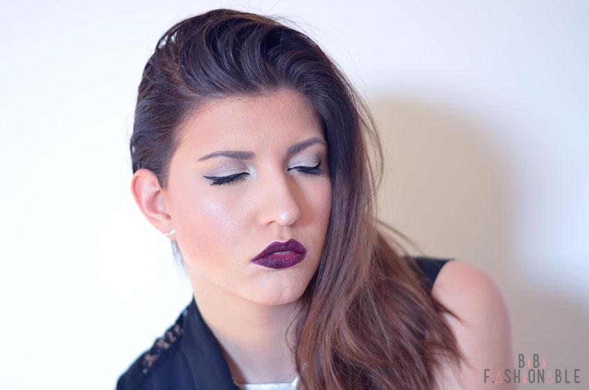 Vampy Lips Ariana Grande Look Augen geschlossen