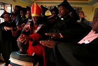 La iglesia que bautiza con cerveza y celebra misas en bares