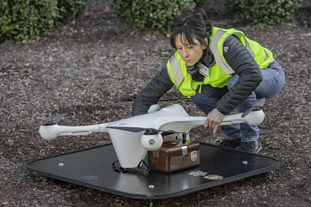UPS تطلق خدمة توصيل عبر الطائرات بدون طيار