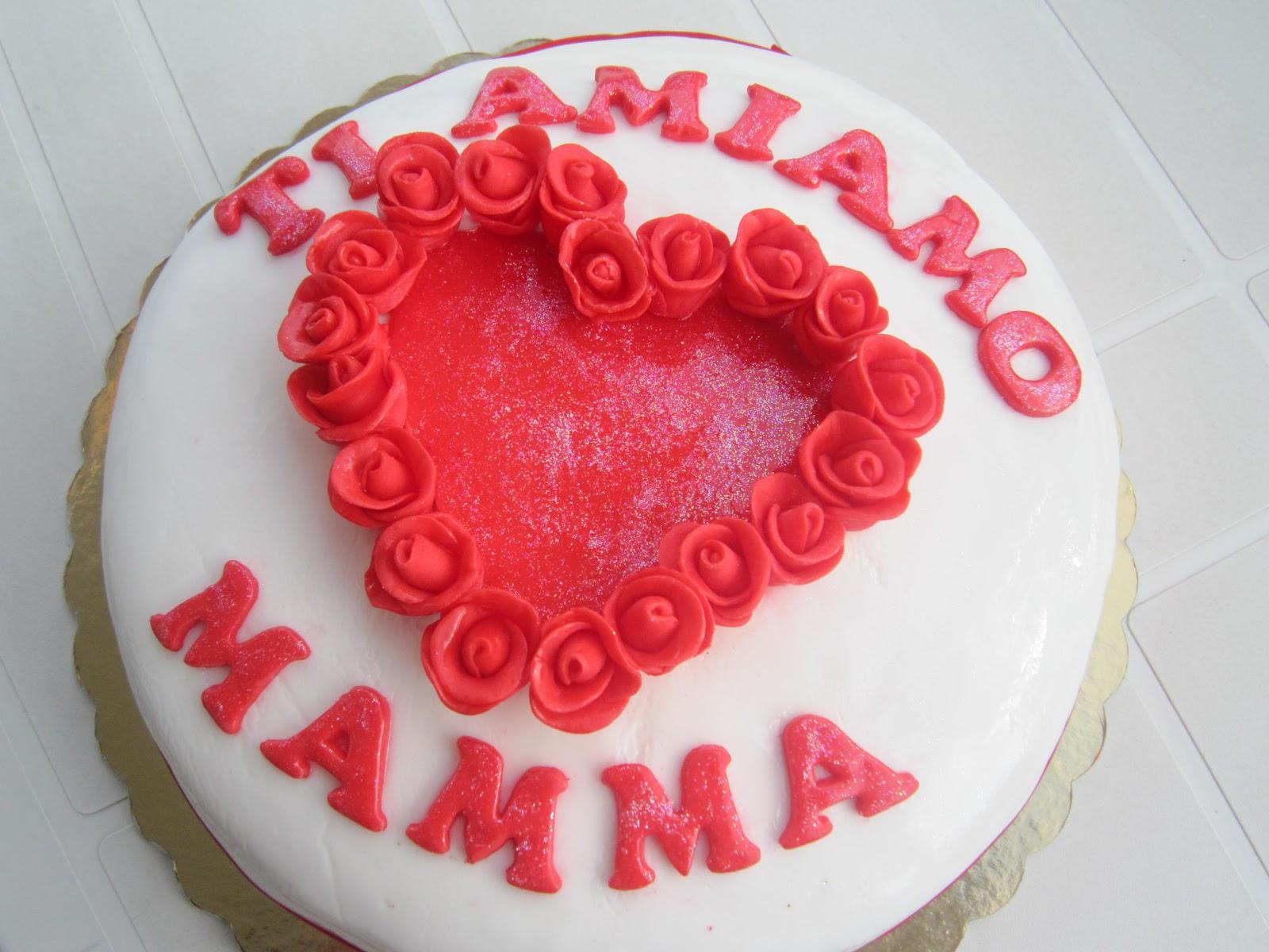 Torta Compleanno Per Mamma.Torta Ti Amo Amiamo Mamma Pasta Di Zucchero Le Torte Di Gessica