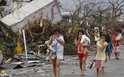 Sobrevivientes al tifón Haiyan