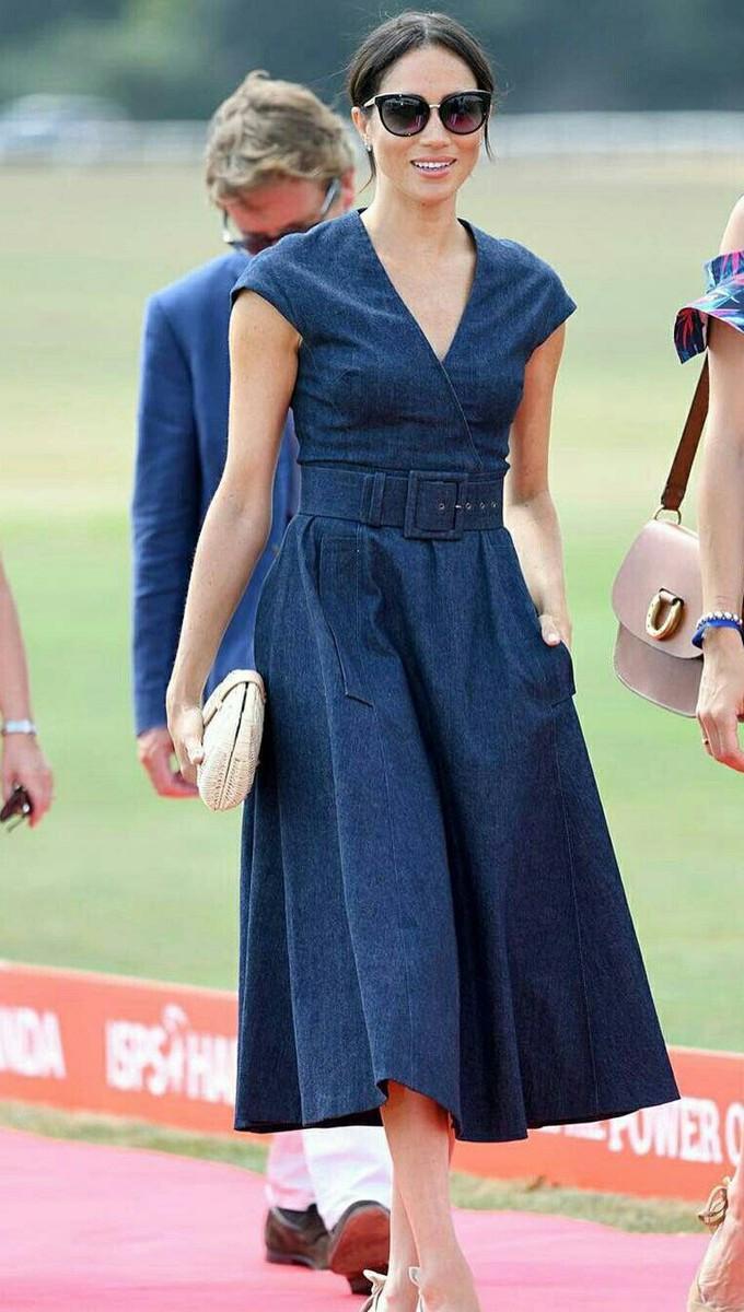 Copiando o look com o vestido jeans da Meghan Markle