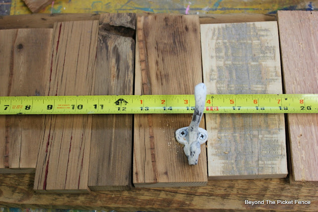 tape measure, reclaimed wood, rustic, coat hook, http://bec4-beyondthepicketfence.blogspot.com/2015/12/12-days-of-christmas-day-12-last-minute.html