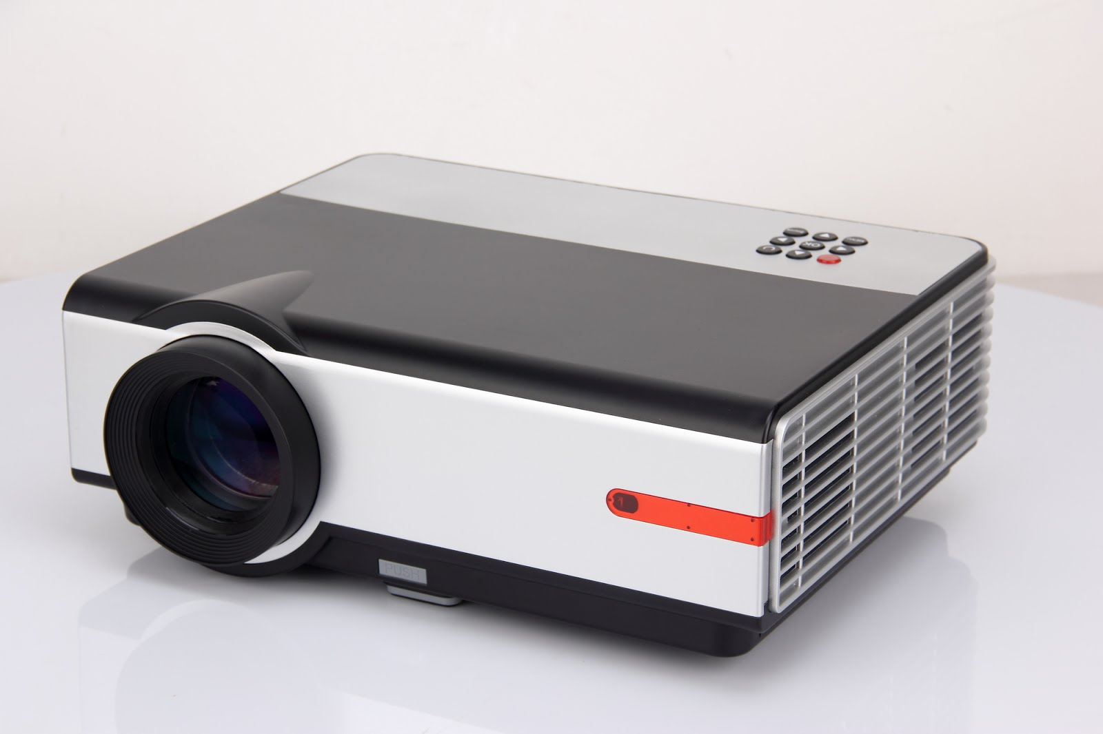 LED Projector DS808B (ALL IN 1) 6,990 B