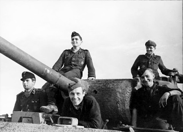 wwii panther crew black and white