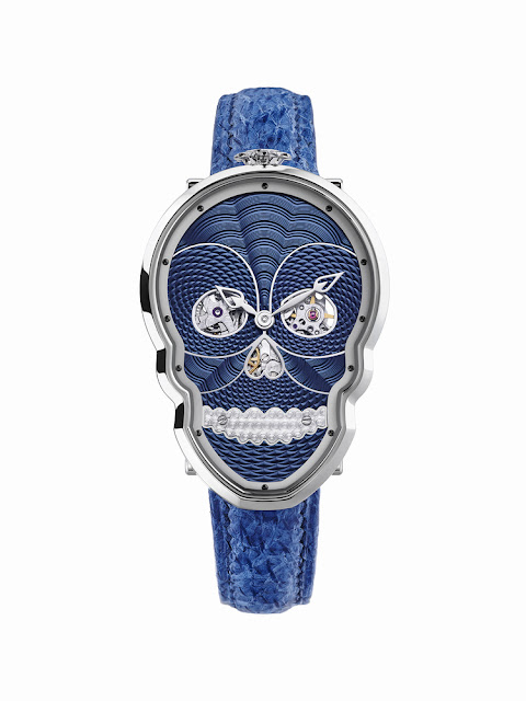 the Petit Skull Blue from Fiona Kruger