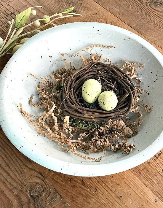 Speckled egg wooden bowl DIY for Spring