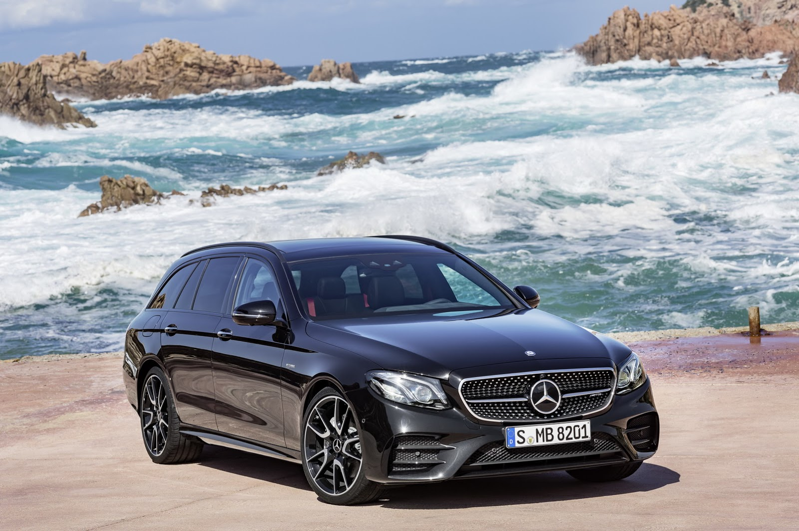 new 2017 mercedes benz e class estate unveiled gets 396hp e43 amg variant 79 pics carscoops. Black Bedroom Furniture Sets. Home Design Ideas