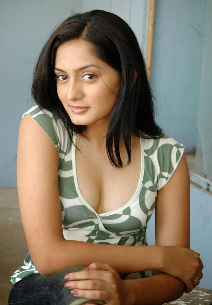 Telugu Actress Annanya Soni Hot Photos - Telugu Actress
