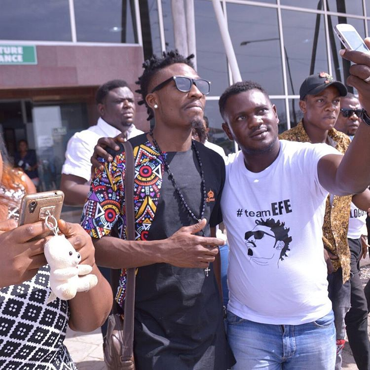 Efe Arrives Warri In Style For His Home Coming