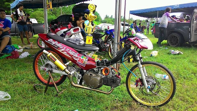 mothai-thai-style-drag-thailand-honda-wave125-red