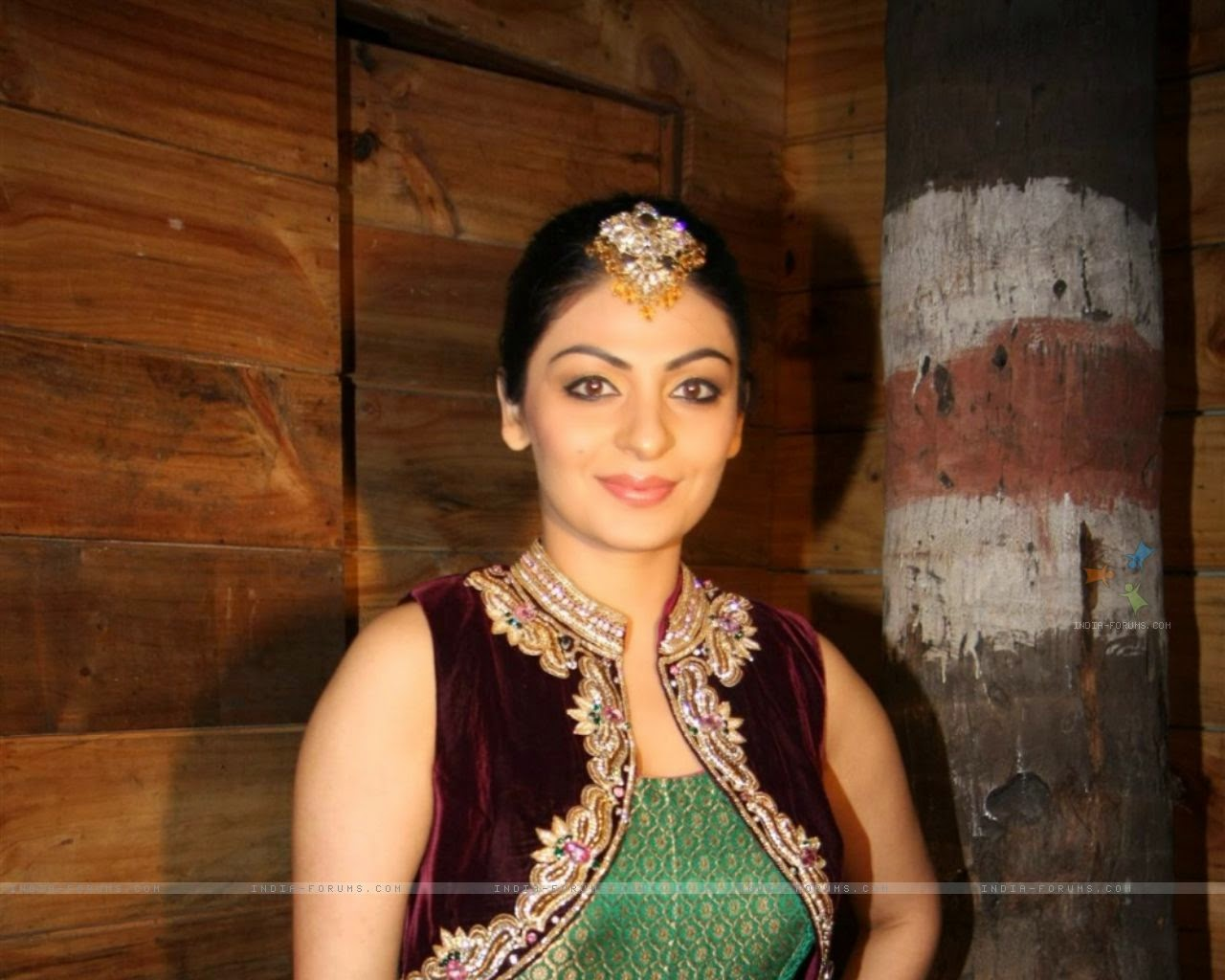 Indian Visions: Neeru Bajwa , Canadian Born Indian Actress