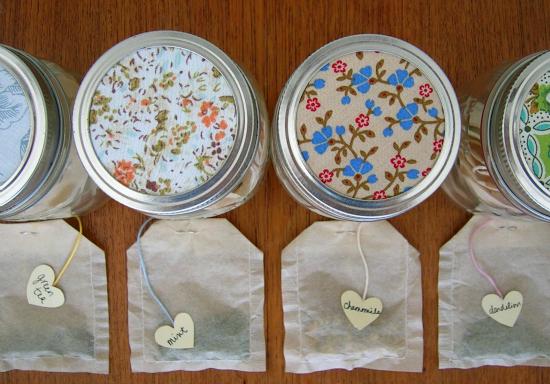 animal-friendly eating: gifts in jars: homemade tea bags