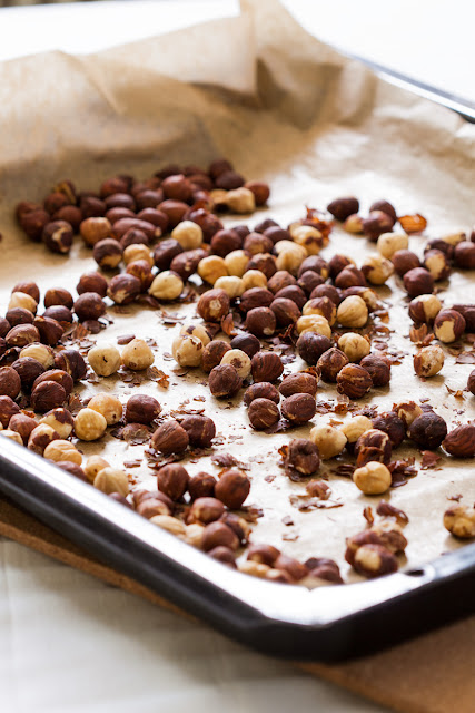 Pečeni lešnici potrebni za domaću Nutellu