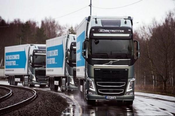 Depois dos carros autônomos, surgem os caminhões sem motorista. Conectados por wi-fi em um comboio inteligente, eles economizam até 10% de combustível