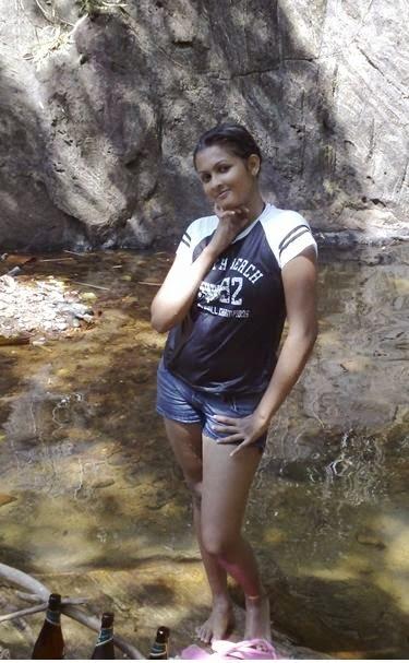 Piumi Purasinghe Swimming Pool Pictures