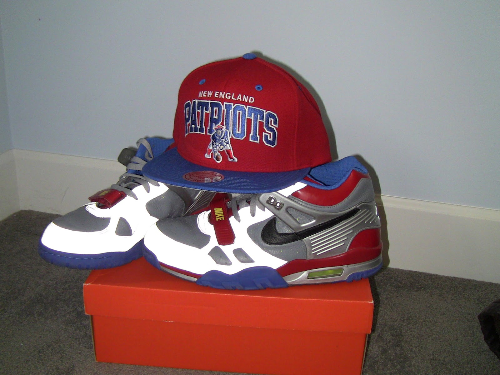 Nike Air Trainer III Transformer Match up With a Patriots Mitchell and Ness  Snapback 29f91f3b0f3