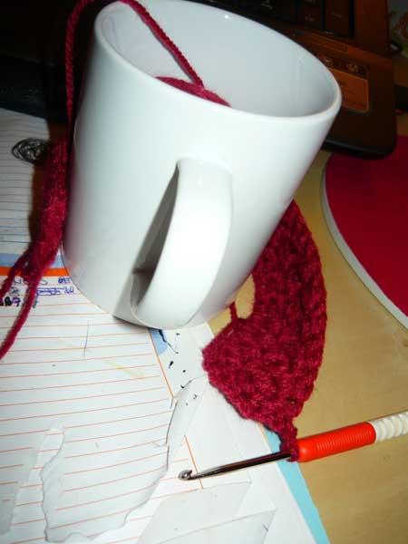 Tüt: Weihnachtsgeschenke DIY Teil 10: Tasse eingestrickt