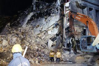 9-11 Pentagon Exterior 1 conjugando adjetivos