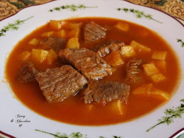 Ternera guisada en salsa de mamá - Beef stew