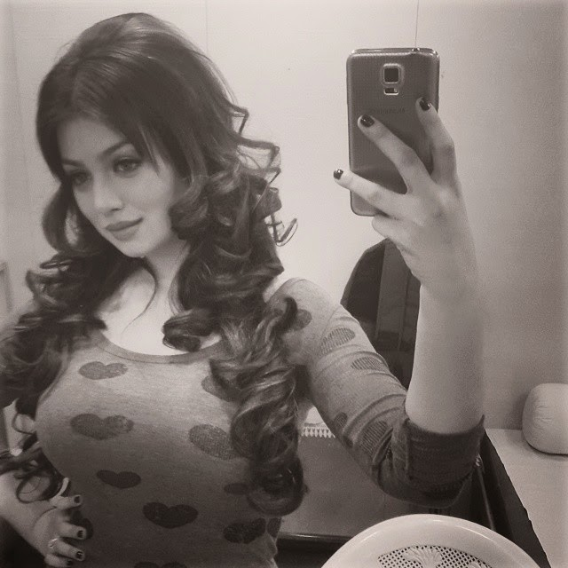 curls😘😘, Hot Pics of Ayesha Takia From Real Life