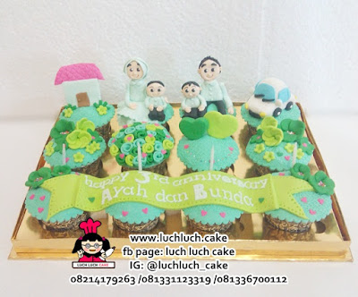 Cupcake Romantis isi 12 Cups