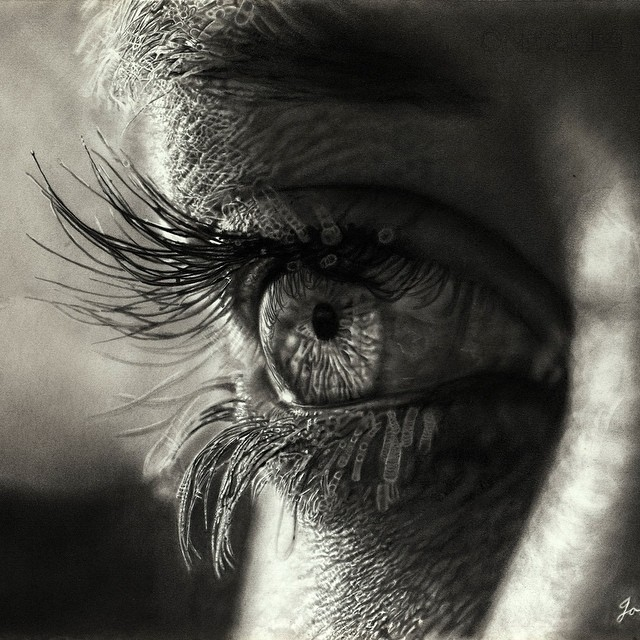 13-Sunset-Eye-Jono-Dry-Eyes-and-other-Black-and-White-Graphite-Realistic-Drawings-www-designstack-co