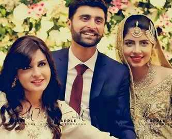 Pakistani Celebrity Moms Who Look So Young That Their ... |Mahnoor Baloch Daughter Wedding Pics