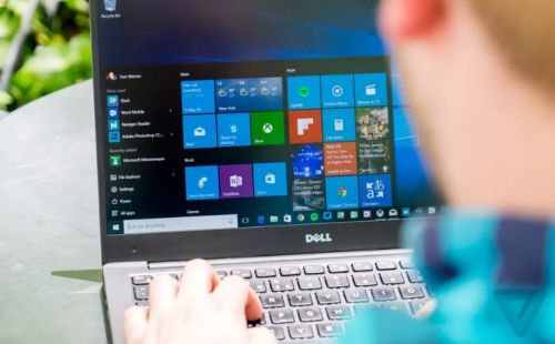 Microsoft Delays Windows 10 Time-line Features