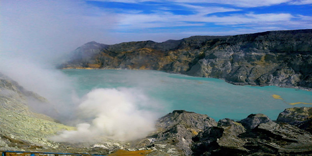 "Ijen Blue Fire Tour and Surise Ijen Morning From Banyuwangi ,Bali and Surabaya and offer best price tour, travel and visit to Banyuwangi tourism of ""Ijen Crater"" the Indonesia's called with the name is ""Kawah Ijen"" , which is the Ijen Crater is volcanoes mountain in java island still active so far, located in Banyuwangi regency, east java. many the tourist or photograph visited to Ijen Crater Banyuwangi for explore, enjoyed and face to face with the ""Blue Fire"" or Blue Flames in Ijen Volcano Crater, the Blue Fire come out only in the night day, at the time of the dark at midnight clock 00.00pm, until to 05.15am in morning day, the Blue Flame come out because bursts of sulfur gas containing methane gas and at the time of the dark result of ""Blue Flames"", if after enjoyed the ""Blue Lava Kawah Ijen"" (Blue Fire) the tourist could be enjoyed of the ""Sunrise Ijen"", ""Lake Ijen"" and see how about ""Traditional Miners Java work on crater floor of Kawah Ijen, take sulfur until to 75-80kg Up and Down from crater, with distance 800 m to crater from caldera. ijen cheap price, Ijen Travel Agency, Ijen Guide, Ijen Tour, Kawah Ijen Tour, Banyuwangi Tourism,"