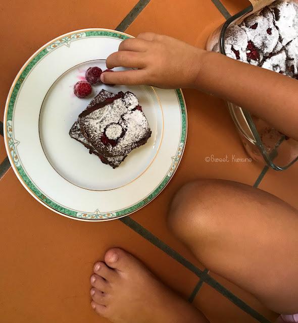 sweet kwisine, brownie, framboises, chocolat, framboise, cuisine antillaise, blog cuisine antillaise, recette, gâteau au chocolat, martinique