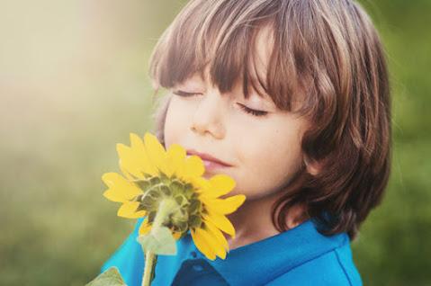 Atividade lúdica aguçando o olfato