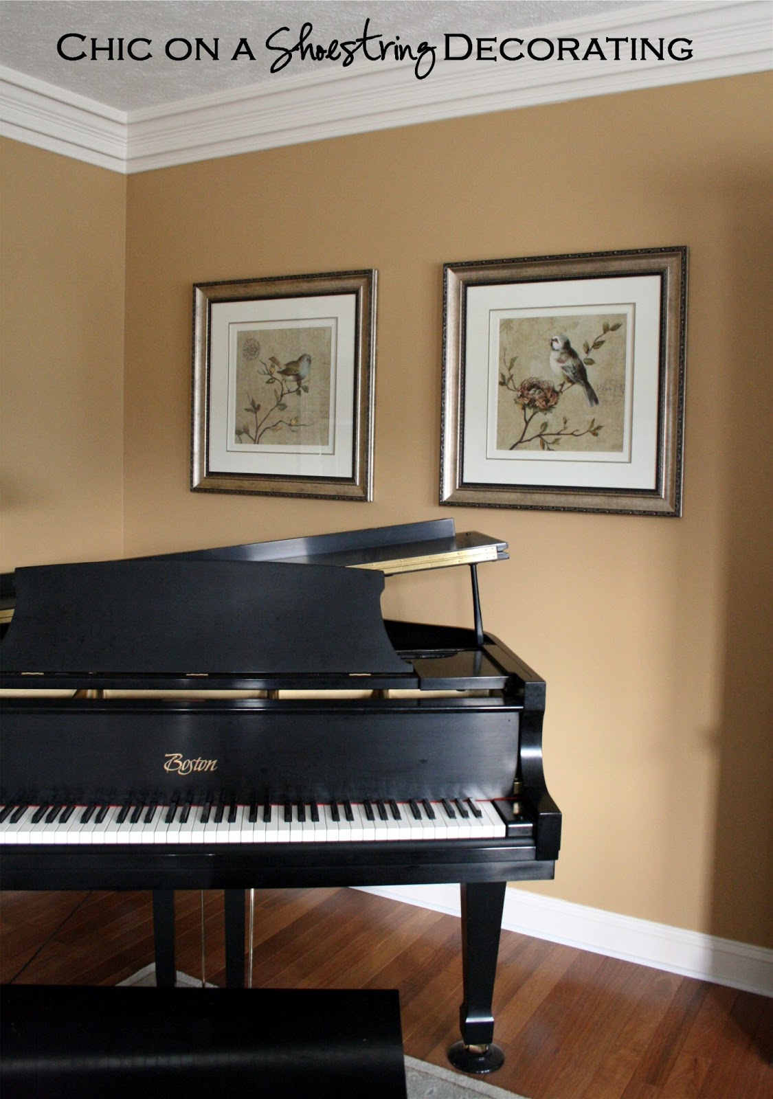 Chic on a shoestring decorating grand piano living room for Where to put a piano in a small house