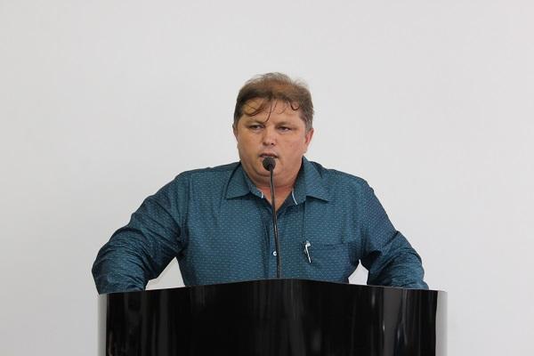 Ex-vereador Edmo Oliveira agradece a Kel pela sanção de Projeto de Lei de sua autoria