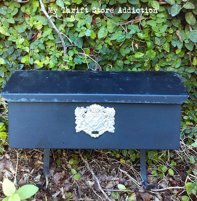 repurposed vintage mailbox planter