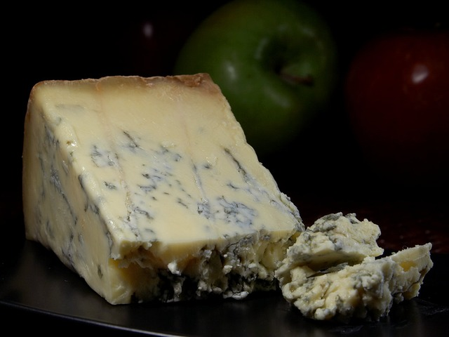 Pungent blue cheeses pair best with sweet wine