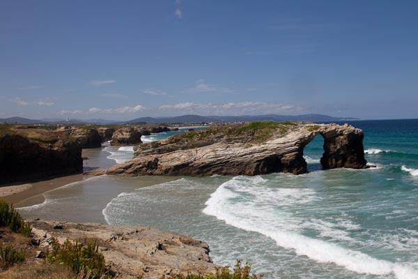 omorfos-kosmos.gr - Η παραλία των καθεδρικών!